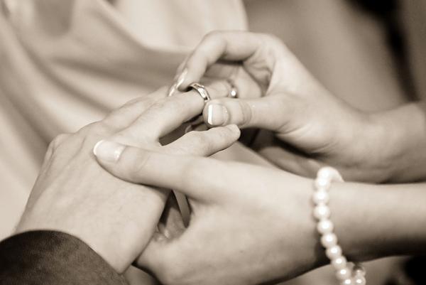 婚約指輪と結婚指輪の違いって?知っておきたい大切なルール。