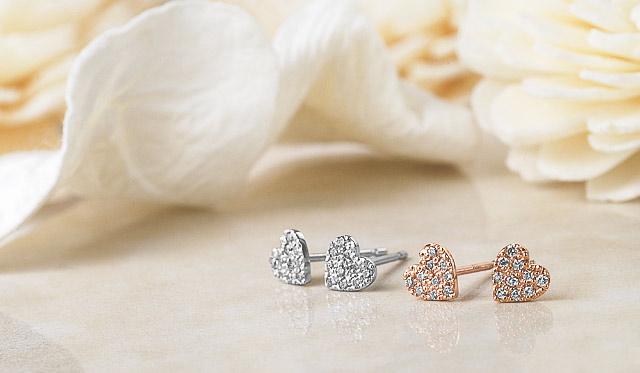 【2017年】彼女に贈ると喜ばれるクリスマスジュエリー 可愛いK10ダイヤモンドハートピアス